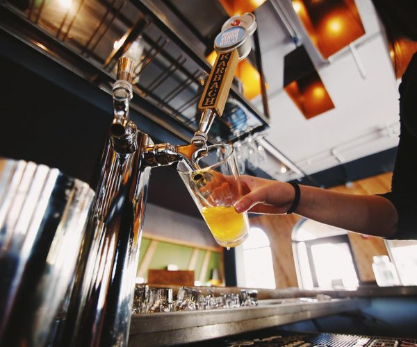 restaurant-drink-bar-pouring-beer-beer-glass-restaurants-bartender-eats-draft-beer_t20_4lL2xl